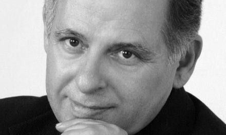 Συνέντευξη με τον συγγραφέα Κωνσταντίνο Τριανταφυλλάκη