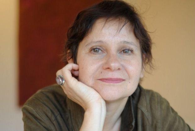 Η Κατρίν Μπεναμού στην Αθήνα για την παράσταση του έργου της «Άνα ή το πανέξυπνο κορίτσι»