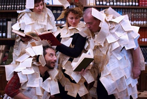 """Η ομάδα θεάτρου «Νοητή Γραμμή» παρουσιάζει στον ΙΑΝΟ την performance """"Ex Libris"""""""