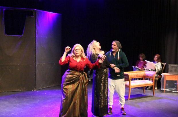 «Γίναμε… θέατρο» για ακόμα ένα τριήμερο στο Θέατρο Σοφούλη