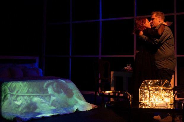 Η παράσταση «Σκηνές από ένα γάμο» με τους Αντώνη Λουδάρο – Παυλίνα Χαρέλα επιστρέφει στο Θέατρο Σοφούλη