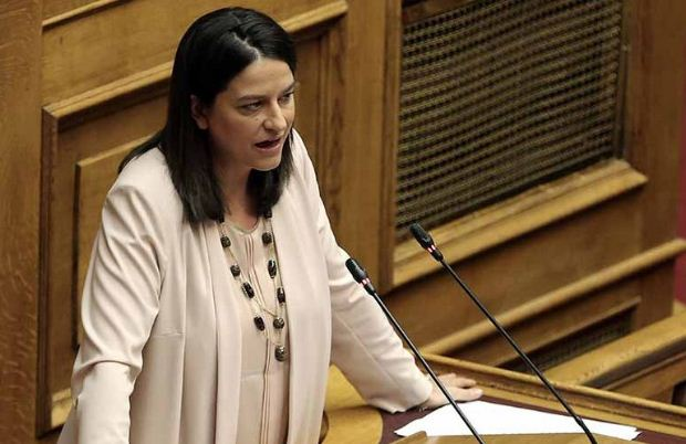 Nίκη Κεραμέως: «Τα κόμματα να λάβουν υπεύθυνα θέση για το άνοιγμα των σχολείων»