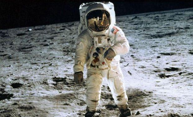 Η μέρα που πάτησε η ανθρωπότητα στη Σελήνη