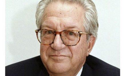 Ο συγγραφέας-δημοσιογράφος Γιάννης Μαρίνος στις «Συναντήσεις με συγγραφείς» στον ΙΑΝΟ