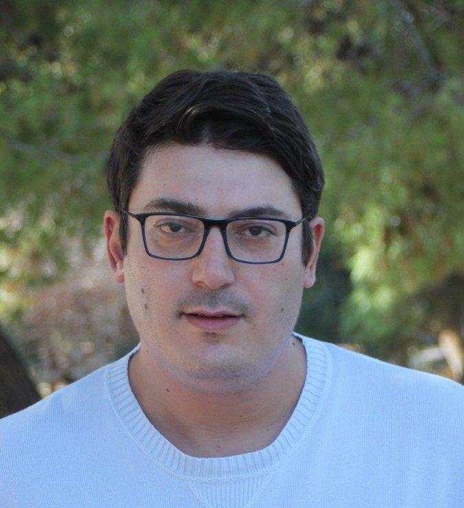 Ο συγγραφέας Στέλιος Λιονάκης
