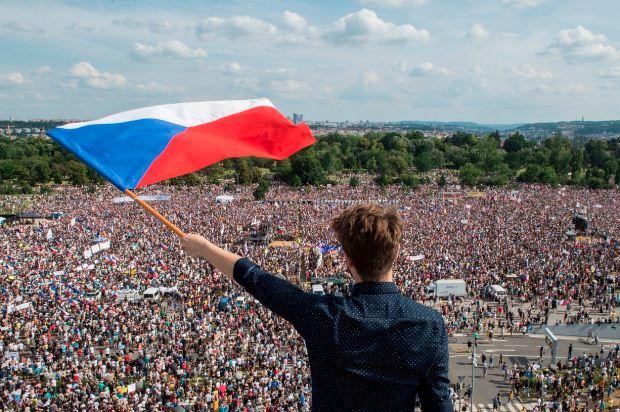 Η «Βελούδινη επανάσταση» της Τσεχοσλοβακίας, Νοέμβριος – Δεκέμβριος 1989
