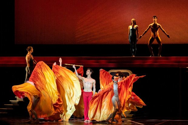 Τελευταία παράσταση για τον «Μαγικό Αυλό» στο Μέγαρο Μουσικής Αθηνών, με τα Μπαλέτα Bejart!