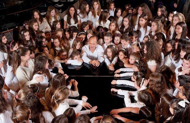 Η «Παιδική Χορωδία Σπύρου Λάμπρου» στον ΙΑΝΟ, Κυριακή 29/12 – Είσοδος ελεύθερη