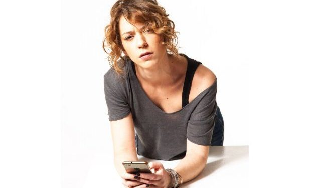 Ήρα Κατσούδα: «Για γυναίκα, καλή είναι» – Για 7 παραστάσεις στο  Θέατρο «Τζένη Καρέζη»