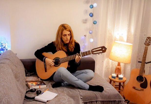 Μαρία Βούλγαρη – «Θα αντέξεις» / Ένα τραγούδι-μήνυμα αισιοδοξίας