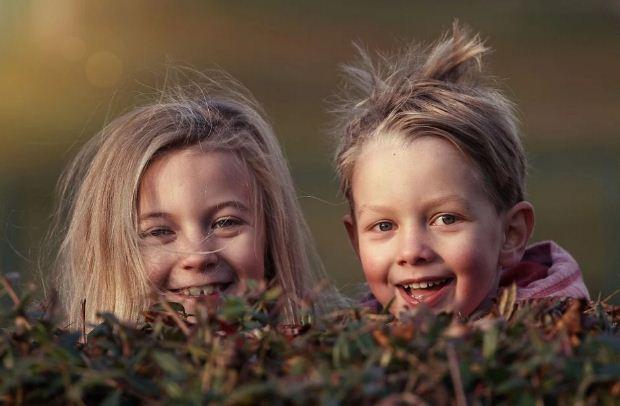 Παγκόσμια Ημέρα Γέλιου – Μα πού κρύφτηκαν τα γέλια των παιδιών;