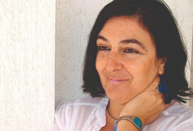 «Η χρυσαλλίδα» – Το νέο μυθιστόρημα της Ζοέλ Λοπινό