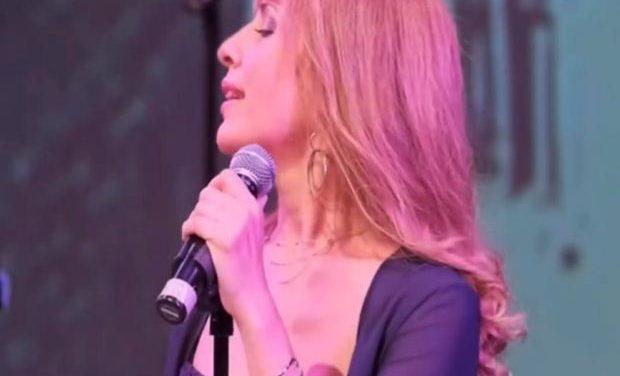Νέο τραγούδι: Ανδριάνα Κόλλια – «Μα δε λες να φανείς»