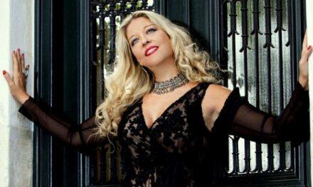 Το νέο της single της Μάνιας Βλαχογιάννη «Όλο τον κόσμο γύρισα» στην κορυφή του itunes chart