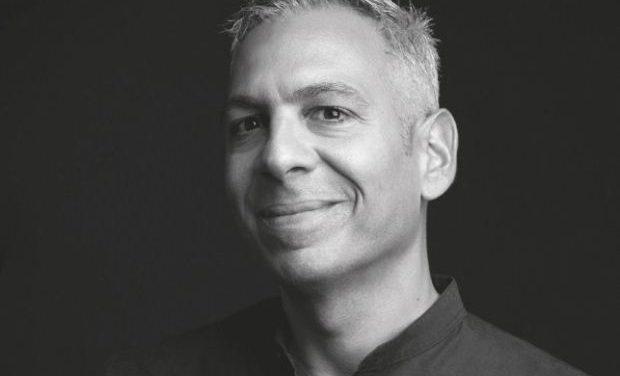 Γιάννης Μυλόπουλος «Δεν είναι το μήλο. Είναι η μιλιά» – 44 ιστορίες που ξεκίνησαν στο κινητό και ολοκληρώθηκαν στο χαρτί