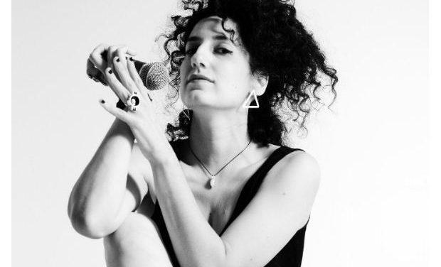 Νέο album: Irini Qn – Χωρίς το τόξο στην αρένα | Μετρονόμος