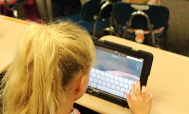 Κριτήριο εξάσκησης στη Ν. Γλώσσα – Λογοτεχνία Γ΄ Λυκείου: Ο ρόλος των νέων τεχνολογιών στη ζωή των εφήβων