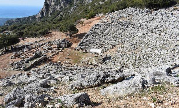 Megaron Online – Παραμερίζοντας το πέπλο του χρόνου: Αρχαίο θέατρο Κασσώπης