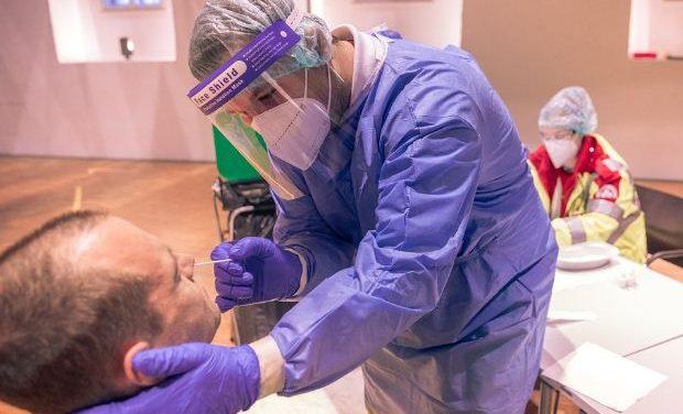 Κορονοϊός (31/5): 1.007 τα νέα κρούσματα, 481 οι διασωληνωμένοι ασθενείς