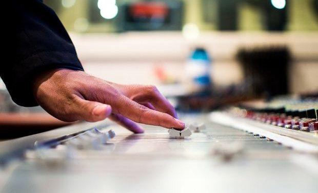 Κωδικούς ειδικότητας για την ασφάλισή τους αποκτούν οι τεχνικοί ζωντανών εκδηλώσεων στον πολιτισμό