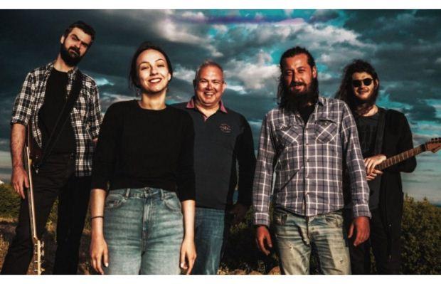 ΕΝΤΕΧΝΩΣ   Το νέο τους τραγούδι – μήνυμα για την καθημερινότητα των μουσικών στην εποχή της πανδημίας