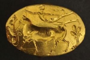 Το Εθνικό Αρχαιολογικό Μουσείο αφηγείται τις άγνωστες όψεις ενός μυθικού δαχτυλιδιού