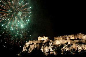 Η Αθήνα υποδέχεται το νέο έτος στο Θησείο με ένα ξεχωριστό υπερθέαμα!