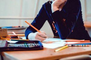ΕΠΑΛ: Υλοποίηση της Εναλλακτικής Ενισχυτικής Διδασκαλίας στα «Νέα Ελληνικά» και τα «Μαθηματικά»