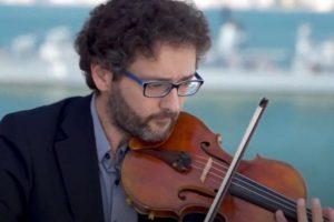 Οι βιολιστές στη στέγη! Σίμος Παπάνας - Αντώνης Σουσάμογλου στο ΜΜΘ (Βίντεο)