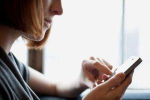 Τι αλλάζει στα συμβόλαια τηλεφωνίας - Οι υποχρεώσεις των παρόχων ηλεκτρονικών επικοινωνιών