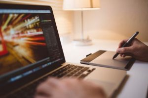 Επαγγελματικές Προοπτικές: Τμήματα Δημοσιογραφίας, ΜΜΕ και Διεθνών Σπουδών