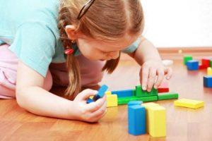 Ο Νίκος Φίλης για την παράλληλη στήριξη στην ειδική αγωγή παιδιών με αυτισμό