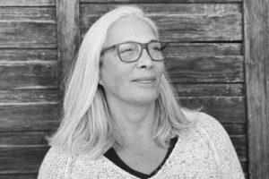 Κυκλοφόρησε το νέο βιβλίο της Ελένης Μουσαμά «το Όνομα και η Μορφή»