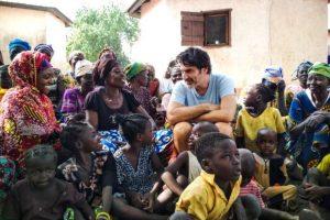 «Ένας Κόσμος»: Η - χωρίς σενάριο - ταινία του Χριστόφορου Παπακαλιάτη για την ActionAid