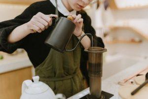 Αναστολές συμβάσεων εργασίας τον Μάιο - Τι ισχύει για τις επιχειρήσεις ανά κλάδο