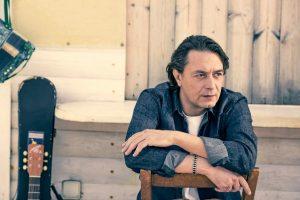 Ο Γιάννης Κότσιρας στο Φεστιβάλ Μονής Λαζαριστών | Τρίτη 5 Σεπτεμβρίου