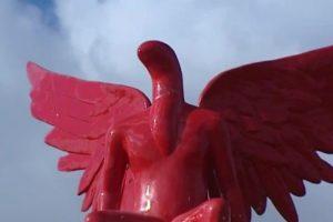Ανακοίνωση του ΥΠΠΟΑ για την καταστροφή του γλυπτού Phylax στην είσοδο της πόλης του Παλαιού Φαλήρου