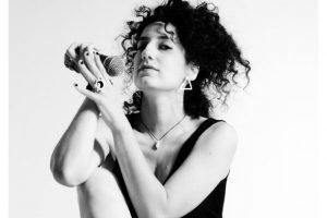 Νέο album: Irini Qn - Χωρίς το τόξο στην αρένα | Μετρονόμος