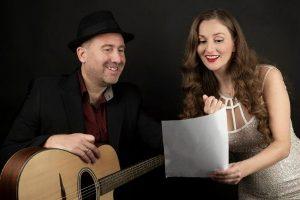 Νέο τραγούδι: Κακαλιάντη Χριστίνα - «'Eνα χαμόγελο» σε στίχους και μουσική Δημήτρη Τσιβούλα