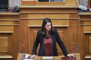 Στην Επιτροπή Μορφωτικών Υποθέσεων της Βουλής το ν/σ για την Γ/θμια Εκπ/ση - Η Ν. Κεραμέως για τις βασικές αρχές του νομοσχεδίου