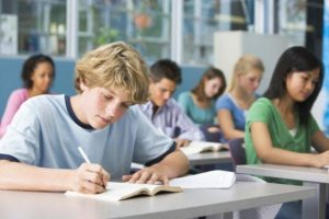 Οι ημερομηνίες λήξης των μαθημάτων σε Γυμνάσια και Λύκεια για το 2017-2018