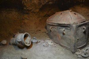 Ανασκαφή ασύλητου λαξευτού τάφου στην Ιεράπετρα