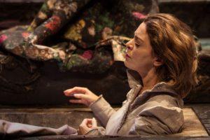 «Να ντύσουμε τους γυμνούς» του Λ. Πιραντέλλο στο Θέατρο Τέχνης για 9 παραστάσεις