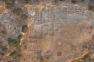 Συστηματική ανασκαφή του Προ- και Παλαιοανακτορικού Μινωικού νεκροταφείου στον Πετρά Σητείας