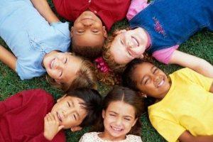 «Διδάσκοντας στα παιδιά να αγαπούν τη διαφορετικότητα...» της Μαρίας Σκαμπαρδώνη