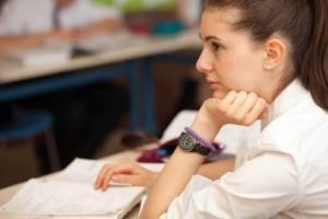 ΥΠΠΕΘ: Ενημέρωση υποψηφίων σχετικά με τις πανελλαδικές εξετάσεις έτους 2019