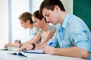 Πρεμιέρα με Νέα Ελληνική Γλώσσα για τις Πανελλαδικές – Το πρόγραμμα των εξετάσεων