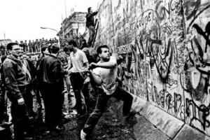 Το Τείχος του Βερολίνου: η ανέγερση και η πτώση, 9 Νοεμβρίου 1989