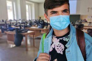 ΥΠΑΙΘ - Σχολεία: Ερωτήσεις και απαντήσεις για τα μέτρα προστασίας και το πρωτόκολλο λειτουργίας