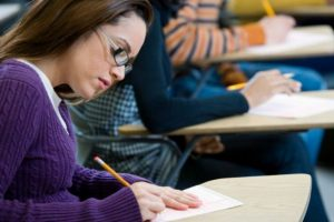 Έκθεση/Νεοελληνική Γλώσσα Λυκείου: Αναφορική και ποιητική λειτουργία της γλώσσας